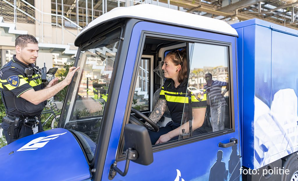 politie agente in tuktuk Eindhoven - DITSS project